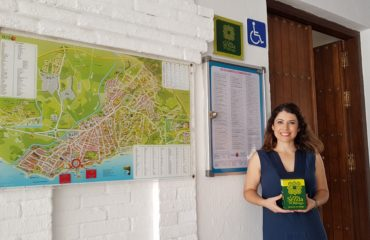 La Oficina de Turismo de Nerja se adhiere a la Gran Senda de Málaga