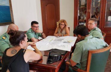 Rosa Arrabal y Anabel Iranzo se reúnen con la Guardia Civil