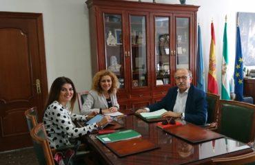 Encuentro de la alcaldesa Rosa Arrabal con la delegada de Turismo
