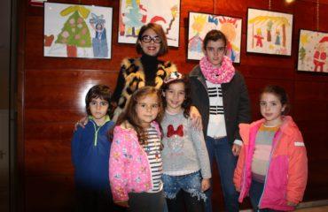 Los niños del EPI pintan la Navidad en el Centro Cultural