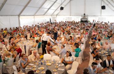 El Ayuntamiento reparte los tickets para el Almuerzo Navideño de los Mayores