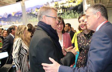 El Embajador de Suecia visita el stand de Nerja en FITUR