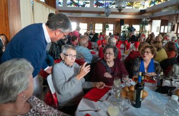 Centenares de mayores de Nerja y Maro celebran el Día del Amor y la Amistad