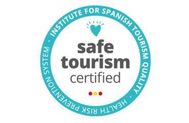Las playas de Nerja reciben el certificado Safe Tourism