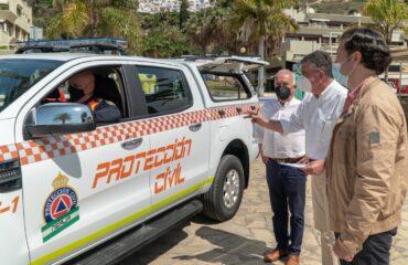 El alcalde reitera el compromiso municipal de potenciar a Protección Civil de Nerja