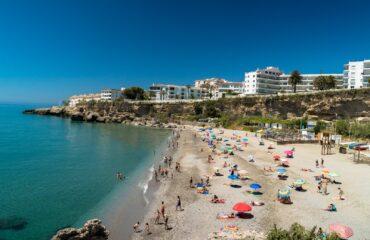 Nerja cierra sus playas en horario nocturno para actividades de ocio y esparcimiento