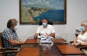 El alcalde se reúne con las asociaciones de empresarios y de residentes para analizar la situación de la EDAR